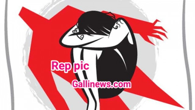11 Bangladeshi Girls ke sath total 16 ko rescue kiya gaya lady pimp arrested at Grant road