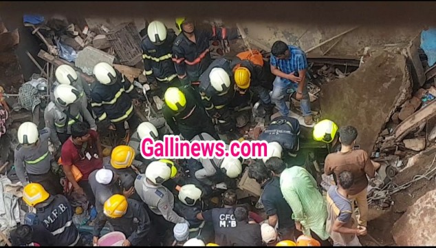 2 Dead and 7 injured in Dongri Building Collapse