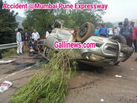 Mumbai Pune Express way par Accident 3 Dead 5 injured