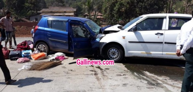 2 car ki Takkar se 1 dead 4 injured at Mumbai Goa Highway Abloli Guhagar Village