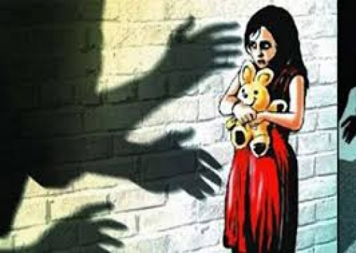 4 years old Girl ka Rape karne ke jurm me minor boy giraftar