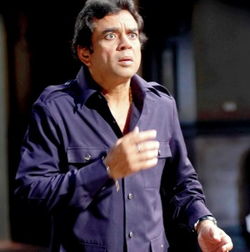 Actor Paresh Rawal Wife Driver Arrested By DN Nagar Police