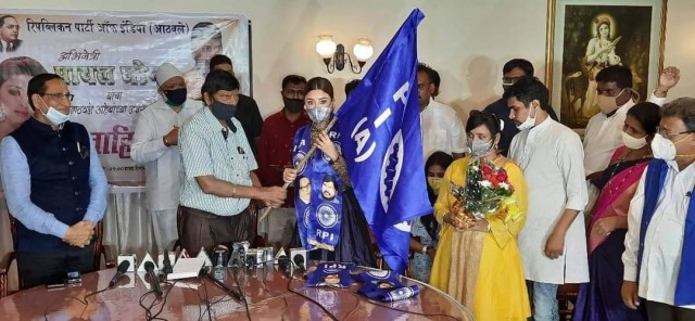 Actor Payal Ghosh ne Union Minister Ramdas Athawale ki Party RPI A join kiya