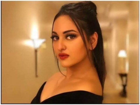 Actress Sonakshi Sinha ke Arrest par Allahabad High Court ne Rokh Lagayi