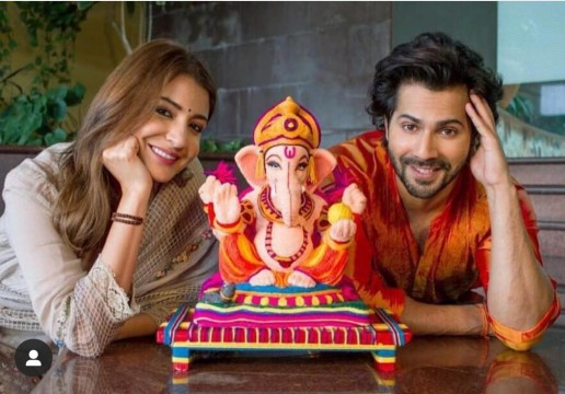 Anushka Sharma and Varun Dhawan are all smiles as they celebrate the occasion of Ganesh Chaturthi