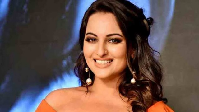 Bollywood Actress Sonakshi Sinha in Legal Trouble for Alleged Cheating Case