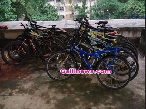 Cycle Chor arrested by Borivali Police station 8 Expensive bicycle seized