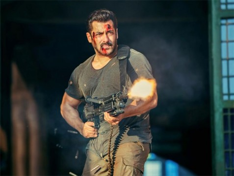 SalmanKhans Deadly Machine Gun Weighs 30 Kilos
