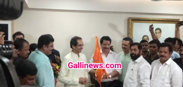Encounter Specialist Pradeep Sharma Join Shiv Sena after Voluntary retirement accepted by Govt