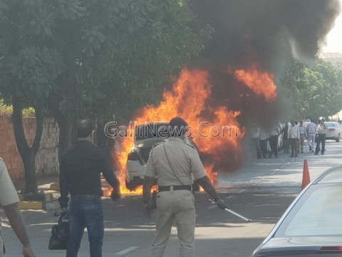 Fire in car at Worli seaface