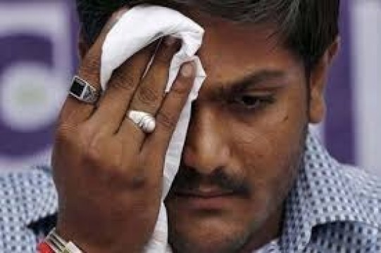 Hardik Patel Cant Contest Poll as Gujrat HC Refuses to Stay Conviction