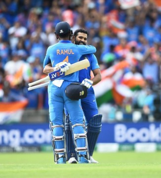 India Beat Sri Lanka in World Cup by 7 Wicket