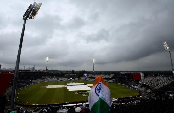 India NewZeland Semi Final Match will Continue Tomorrow after Rain Interrupts