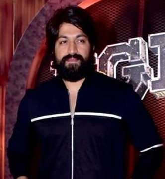 KGF Chapter 2 Actor Yash Celebrate His 35th Birthday