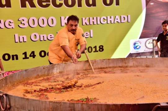 3000 kg Khichdi to Set New World Record