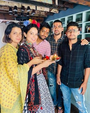 Kangana Ranauts team shares the actress heartfelt Raksha Bandhan celebration pictures with her brother and family Heart with ribbon