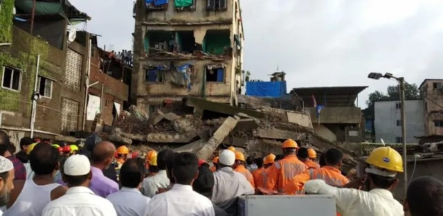 Live Video of Building Collapsed  at Bhiwandi