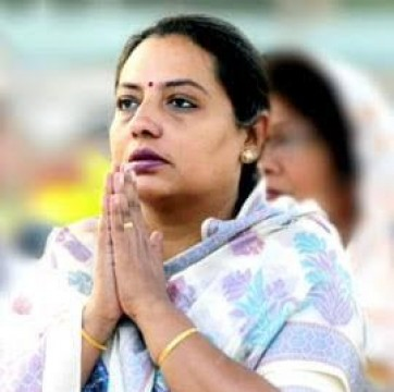 Maharashtra Women & Child Development Minister Yashomati Thakur ko 3 Months jail ki saza sunayi Amravati District Court ne