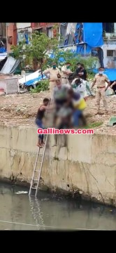 Male Dead Body Found In Naalah at Bandra East