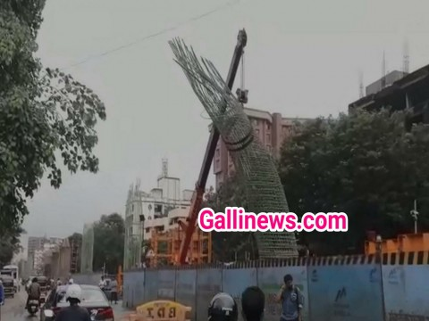 Mumbai Metro 2 ke Pillar ka structre Bend hua at Diamond garden Chembur