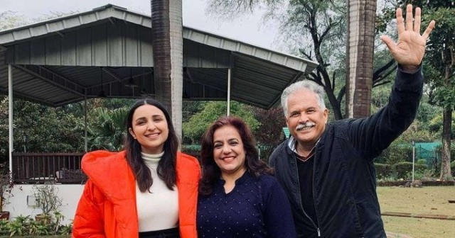 Parineeti Chopra Picture with her parents in Ambala