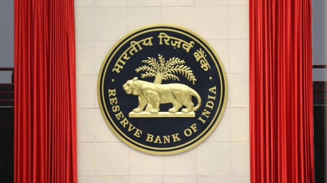 No EMI Of  loan Till 31st August RBI Extends EMI Moratotium for another 3 Months