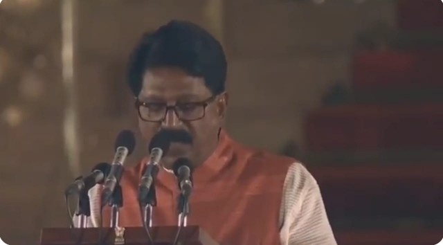 Shiv Sena  MP Arvind Sawant  Swearing as an Cabinet Minister in Modi Sarkar2