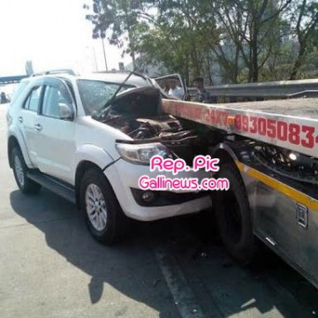 SUV ki Truck se takkar hone se 3 logon ki death  and Two injured at Satara