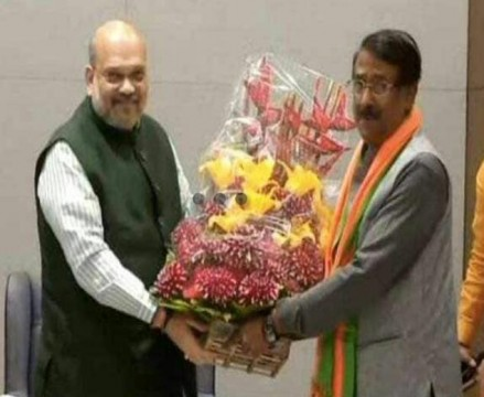 Sonia Gandhi s top aide Tom Vadakkan joins BJP