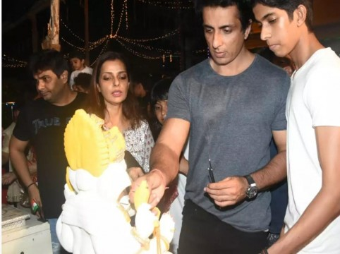 Sonu Sood and his family welcome Bappa to their home