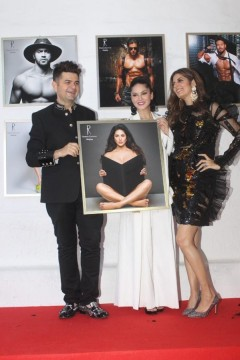 Sunny Leone and Manisha Ratnani pose for a happy picture at Dabboo Ratnanis calendar launch