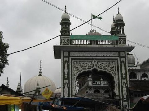 Mahim Dargah may Hui stabbing Morning Lobaan ke Waqt 5 Zakhmi