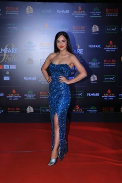 The lovely angira dharlit up the red carpet of Filmfare Glamour AndStyle Awards last night