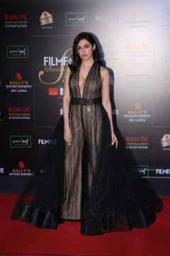 The beautiful aslidivyakumarat the Filmfare Glamour AndStyle Awards 2019