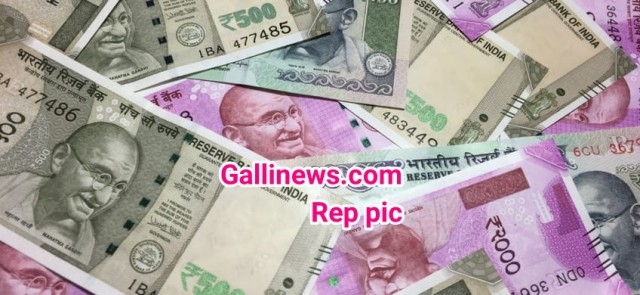 Rs 50 lakh seized by Election Commission Squad at Tardeo Circle
