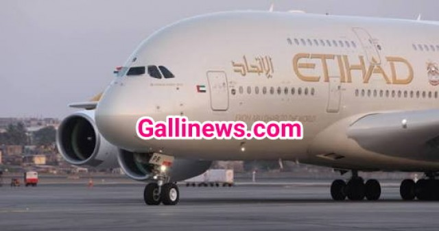 Abu Dhabi Jakarta Etihad Airways flight Mumbai Divert kiya gaya as a woman passenger gives birth onboard