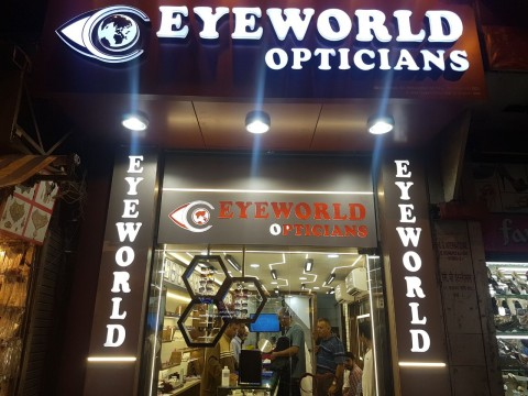 Discount offers 25 percent Discount on Colored and Power Lenses 20 percent on Powered and Sunglasses