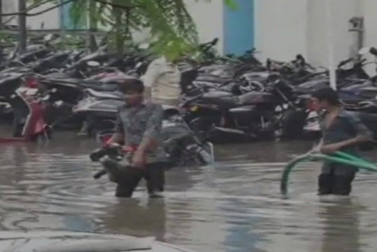 Gujarat me Heavy Rains, kill 19 people in one week