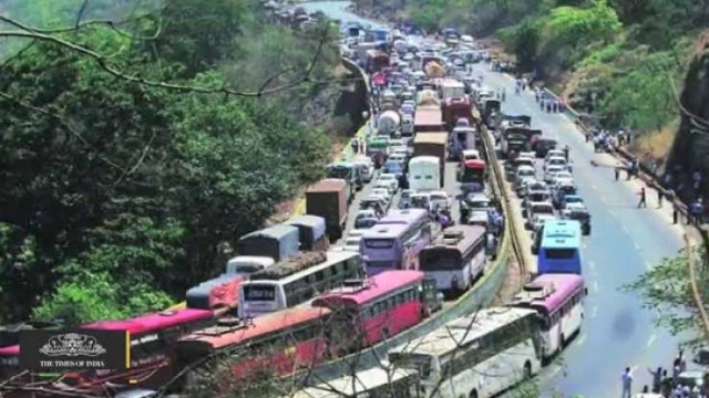 Traffic Alert Mumbai Pune Expressway Closed For 2 Hours from 12 pm to 2 pm