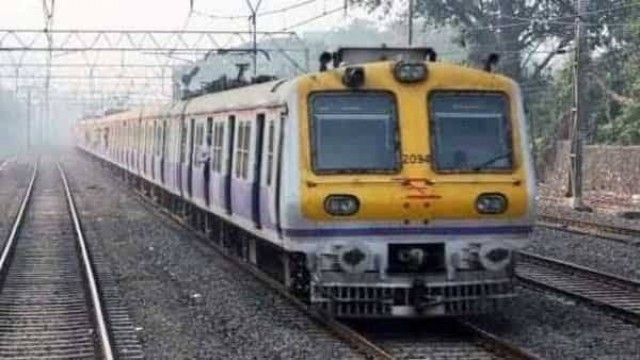 10 percent Bank Staff Allowed to travel in Mumbai Suburban Trains