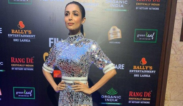 The ultimate diva MalaikaArora is here for the Filmfare Glamour AndStyle Awards 2019