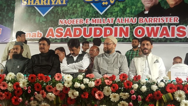 Asaddudin Owaisi Pahuche Nagpada Junction
