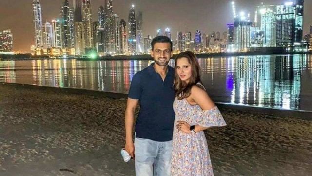 Dubai Beach pe Sania mirza and Shoaib Malik Look Like A best couple
