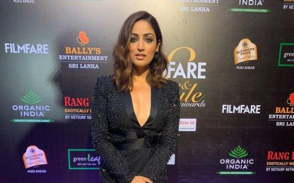 All we could think of was oh la la when we saw yamigautam  at the Filmfare GlamourAndStyleAwards 2019