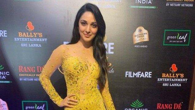 We didnt know yellow could look so good but advani_kiara  has proved us wrong at the Filmfare Glamour AndStyle Awards