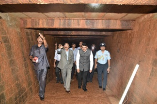 discovers a very big well built tunnel beneath Raj Bhavan in Mumbai