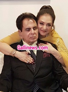 Exclusive Pic Of 50th Golden Wedding Anniversary of Dilp Kumar Saheb and Glowing Saira Banao